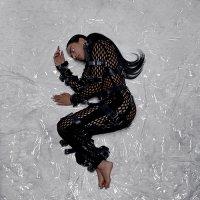 Sevdaliza - The Calling EP (2018) / trip-hop, art pop, experimental, Netherlands